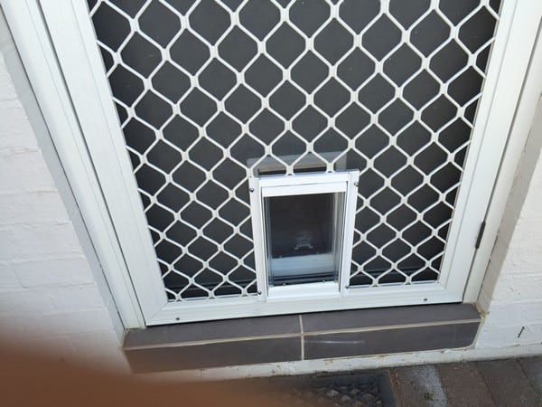 security-screen-petdoor (2)